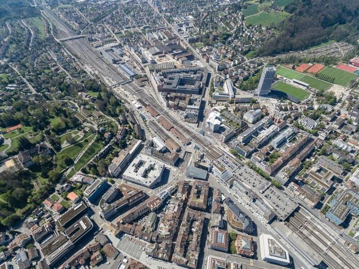Drohnenaufnahmen über Winterthur mit Bahnhof
