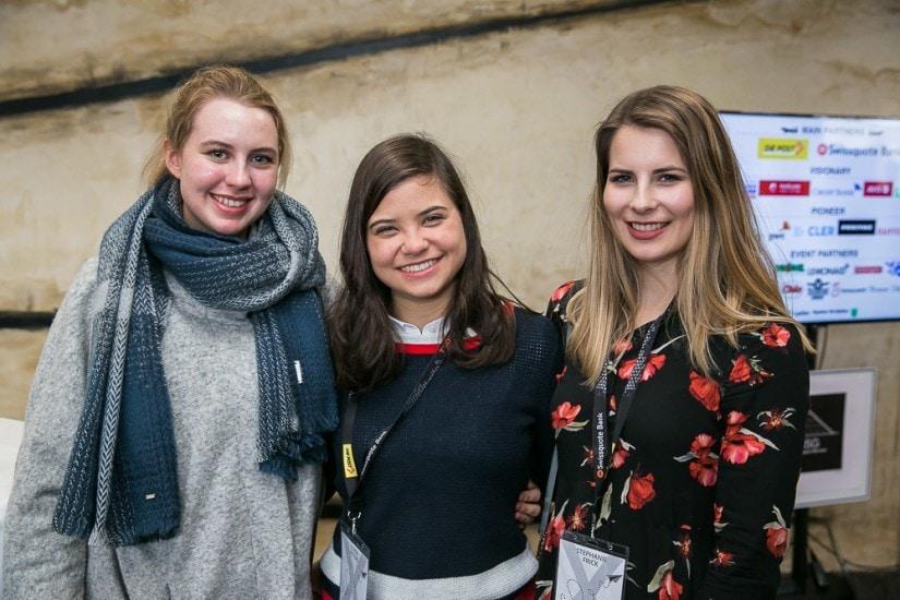 Gruppenfoto von drei Frauen
