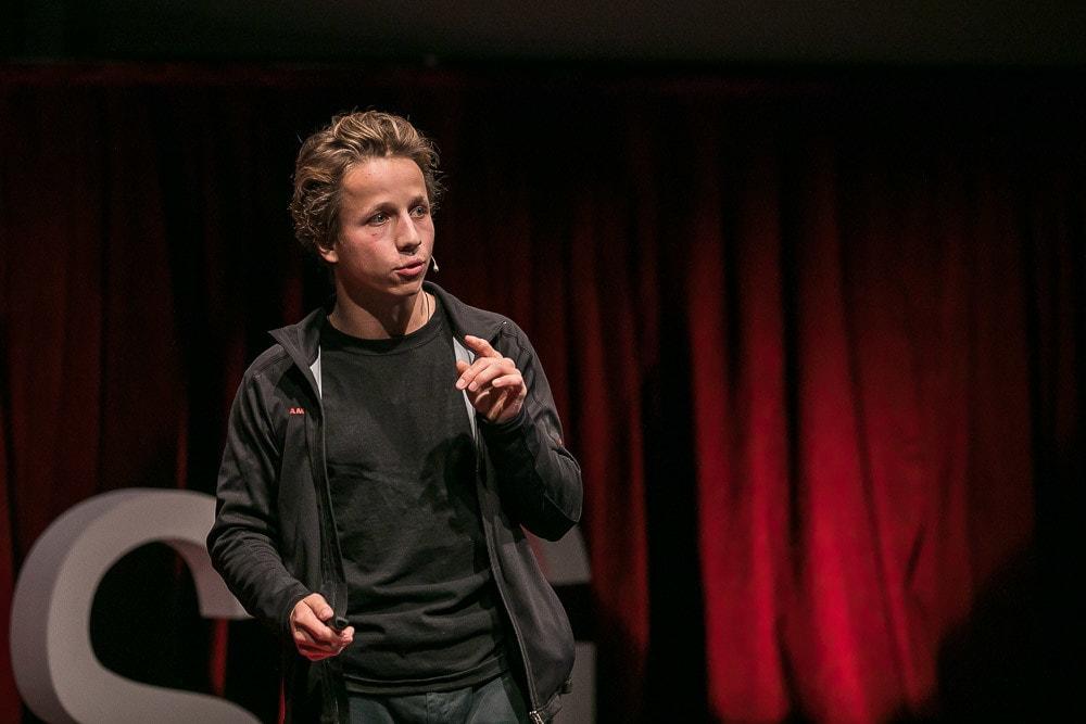Victor Morgan auf der TEDx-Bühne