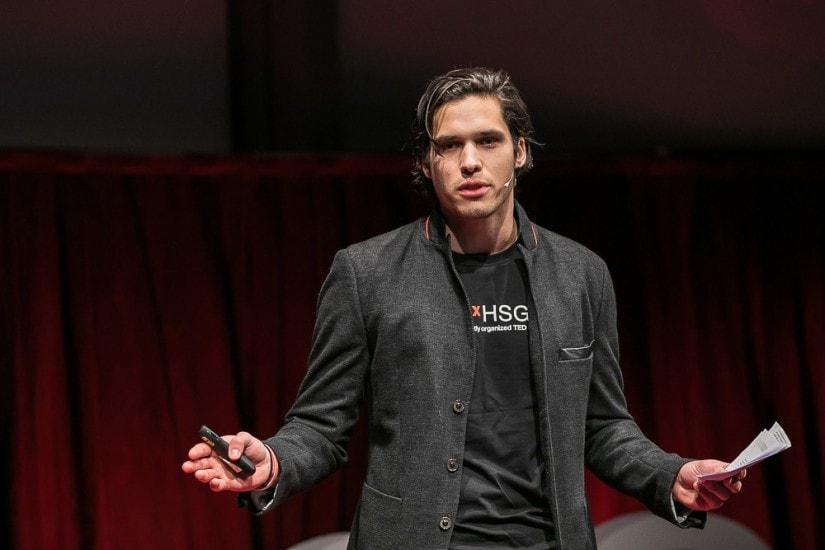 Moderator auf der TEDx Bühne