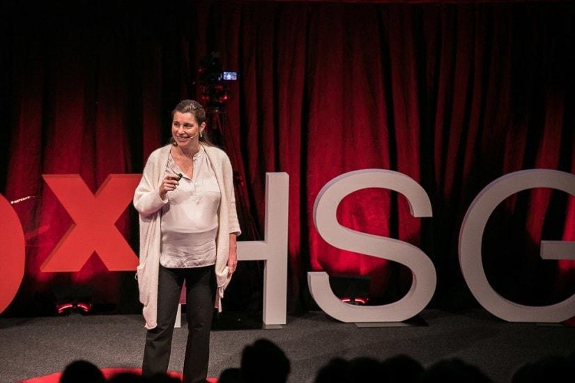 Jessica Graf auf der TEDx Bühne