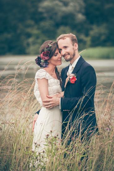 Verliebtes Hochzeitspaar