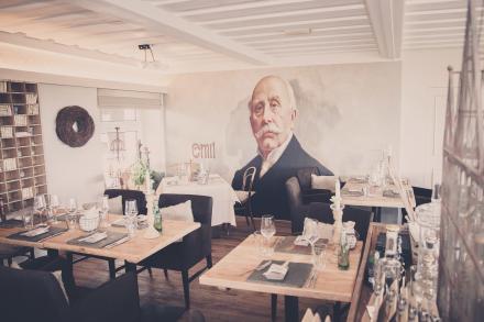 Wandmalerei im Restaurant Emil