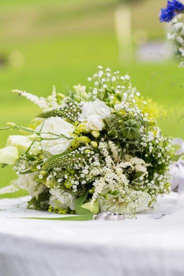 Brautstrauss mit Ringen