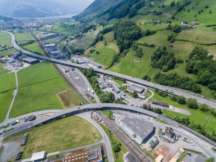 Autobahnüberschneidung in Seewen.